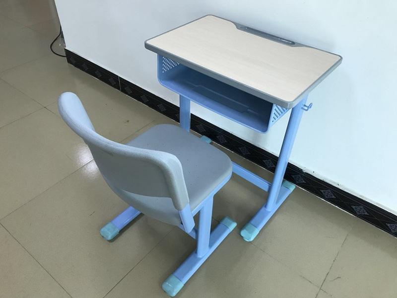 长沙课桌椅批发价格优惠